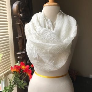 NWT Beautiful Cejon infinity wrap scarf